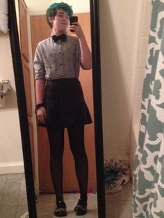 This is what I want my end result to be for being bigender: girl from the waist down, boy from the waist up. Yes, this means keeping what I've have down there and getting rid of my boobs. It would make me so happy to look just like the person in this picture! :) Also, this entire outfit is just SO cute! I would wear it everyday, especially with that lovely turquoise hair. ;)