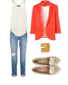 The perfect outfit with that coral blazer. thedressspot.com