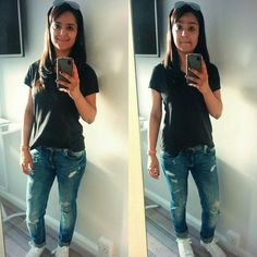 #casual one #ripped jeans #black T-shirt #white converse