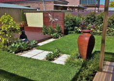 Always in Trend find 20 beautiful garden design ideas that can help you to start in planning the garden landscaping. Garden Design Images, Contemporary Garden Design, Pond Design, Small Garden Design, Garden Landscape Design, Brisbane, Eco Garden, Diy Garden Furniture, Furniture Ideas