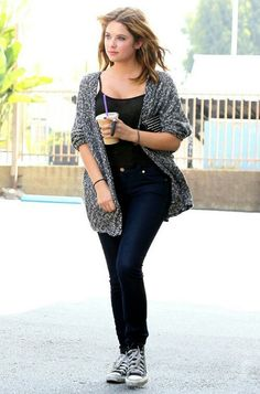 Ashley Benson - The Cute Little Liar Estilo Converse, Converse Style, Outfits With Converse, Black Converse, Casual Wear, Casual Outfits, Girl Outfits, Cute Outfits, Fashion Outfits