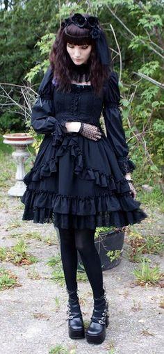 Dark Gothic Lolita