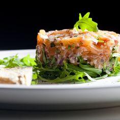 Tartare de saumon aux crevettes et anchois