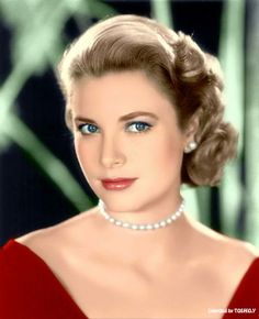 Grace Kelly https://fbcdn-sphotos-a-a.akamaihd.net/hphotos-ak-ash3/t1/1157608_526873407433160_1747728561_n.jpg