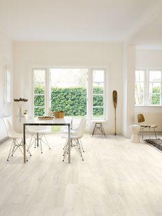 The Quickstep Creo Charlotte Oak White is a standout laminate floor. It perfectly replicates a white-stained, wide plank oak flooring. The boards are square edge for a sharp, modern feel, and the light colour of the floor can brighten up darker rooms. This is a 7mm floor with the patented Uniclic locking system, making it very easy to install. This floor comes with a 20 year domestic warranty.
