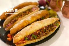 Hot Dog Buns, Hot Dogs, Tandoori Masala, Bagel Sandwich, Turkish Recipes, Fajitas, Iftar, Sandwiches, Food And Drink