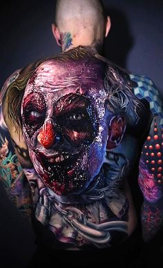Tattoo artists Torstem Malm Adrian Ciercoles Moriel Sero and Kätlin Malm spent two days on the moving clown tattoo. Clown Tattoo, Skull Tattoos, Body Art Tattoos, Sleeve Tattoos, Tatoos, Full Back Tattoos, Full Body Tattoo, Tattoo Photo, Picture Tattoos