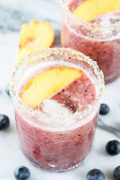 Peach Blueberry MargaritaReally nice recipes. Every hour.Show me  Mein Blog: Alles rund um die Themen Genuss & Geschmack  Kochen Backen Braten Vorspeisen Hauptgerichte und Desserts # Hashtag