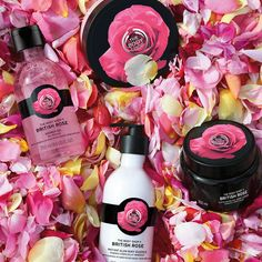 Did you know that rose essence in the British Rose body care range comes from organically grown roses? This helps them smell naturally amazing. Find it at The Body Shop in The Plaza Shopping centre. The Body Shop, Body Shop At Home, Body Essence, Body Shop Skincare, British Rose, Exfoliating Soap, Real Rose Petals, Bridal Makeup Looks, Face Scrub Homemade