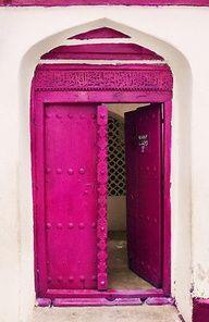 Hot #pink #door.