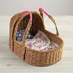 Doll Moses Basket wi