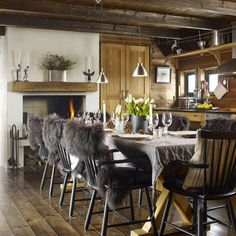 Bilderesultat for hytteinteriør Decor, Furniture, Conference Room, Room, Country Farmhouse, Farmhouse, Table, Home Decor, Conference Room Table