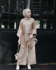 32 ideas style girl hijab for 2020 7 Kebaya Modern Hijab, Kebaya Hijab, Kebaya Muslim, Muslim Dress, Dress Brokat Modern, Model Kebaya Modern, Kebaya Lace, Kebaya Dress, Dress Pesta