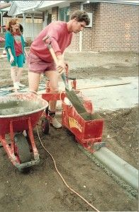 Kwik Kerb curbing business in 1992 Concrete Crafts, Concrete Projects, Outdoor Projects, Concrete Garden Edging, Lawn Edging, Concrete Curbing, Landscape Arquitecture, Landscape Curbing, Diy Playground