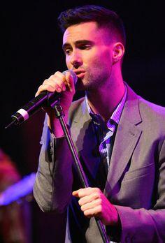Adam Levine Pictures (67 of 105) - Last.fm Adam Levine #adamlevine #maroon5