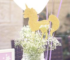 20 magical unicorn birthday party ideas that are truly one of a kind. Just like the birthday kid. Unicorn Birthday Parties, Unicorn Party, First Birthday Parties, Girl Birthday, First Birthdays, Birthday Ideas, 10th Birthday, Princess Birthday, Baby Shower Unicornio