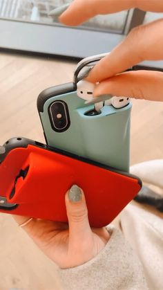 Iphone Cases Discover The AirPods case holder Something new for the AirPods lovers New Technology Gadgets, Gadgets And Gizmos, New Gadgets, Iphone Gadgets, Technology Apple, Fitness Gadgets, Baby Gadgets, High Tech Gadgets, Travel Gadgets