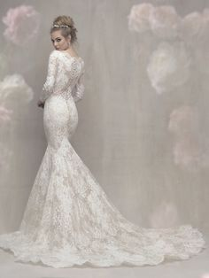 New from Allure for fall 2017 collections. how do they keep creating these stunning designs? xx @loviabridal