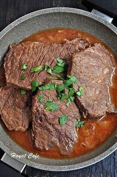 Tomato Paste Recipe Salçalı Biftek Tarifi the-steak-gravy recipe Vide Potato Recipes, Meat Recipes, Dinner Recipes, Cooking Recipes, Steak Gravy Recipe, Salmon Steak Recipes, Tomato Paste Recipe, Healthy Eating Tips, Mushroom Recipes