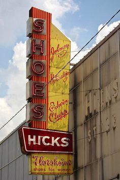 Hicks Shoes, Marlin, Texas | source - Julia Miller's Flickr - flickr.com/photos/jlmiller