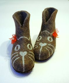 f87647713db9d 150 Best Cat Slippers images in 2018 | Slippers, Cats, Felted slippers