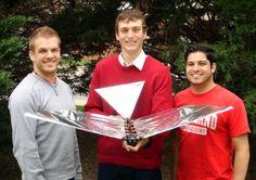 Students Luke Roberts, John Gerdes and Ariel Perez-Rosado with Robo Raven (Photo: Universi.