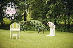 Real Weddings: Lora & Robb's Quaint Backyard Barn Wedding, captured by Andie Freeman Photography. Backyard Barn, Barn Wedding Inspiration, Event Services, Event Design, Summer Wedding, Wild Flowers, Real Weddings, Fashion Beauty, Bouquet