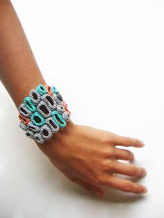 Crochet organic bracelet barnacles by Fnine on Etsy Freeform Crochet, Crochet Art, Love Crochet, Crochet Patterns, Art Textile, Textile Jewelry, Fabric Jewelry, Crochet Bracelet, Bijoux Diy