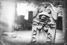 Memento Mori Headstone St Cuthbert's Edinburgh