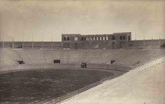 El Estadio Nacional estaba ubicado en el cruce de Orizaba y Antonio M. Anza. Fue construido en 1924 y a finales de los cuarenta se demolió para levantar el Multifamiliar Juárez. México