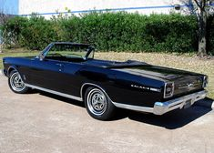 Classic Car News Pics And Videos From Around The World Convertible, Ford Galaxie, Ford Classic Cars, Vintage Classics, Train Car, American Muscle Cars, Station Wagon, Old Cars, Luxury Cars
