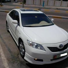 camry SE No: 1 white culor - AED 37,000