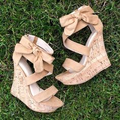 These shoes are sooo cute! In love right now!❤