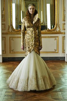 Rest in peace Alexander McQueen. From his Fall 2010 rtw collection, one of his last works. Love.
