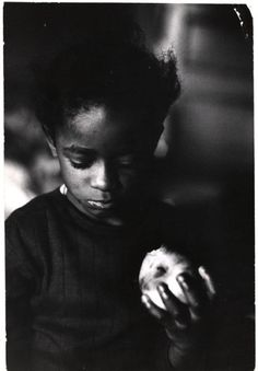"Photographer Gordon Parks, ""Race and Poverty"", 1967 Park Photography, History Of Photography, Glamour Photography, Gordon Parks, My Black Is Beautiful, Simply Beautiful, Iconic Photos, Photojournalism, Movies"