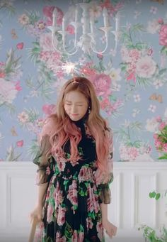 fromis_9 - LOVE BOMB  * JiWon *  #lovebomb #cutie #fromis_9 #style Nihon, Girl Group, Short Sleeve Dresses, Kpop, Love, Natural, Mini, Style, Fashion