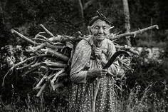 Heavy burden. Photographer: Ludmila Yilmaz