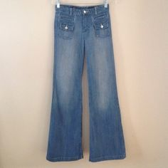"""🌼Express Wide leg Super cute super wide bottom jeans.Lightweight jean with cute front pockets & faux pockets on back.High waisted. Inseam 32"""" Express Jeans Flare & Wide Leg"""