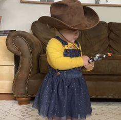 Counting, Cowboy Hats, Fashion, Moda, Fashion Styles, Fashion Illustrations