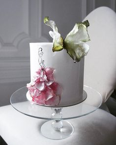 Floral dress cake with butterfly Fondant Cakes, Cake Icing, Eat Cake, Cupcake Cakes, Cupcakes, Gorgeous Cakes, Pretty Cakes, Bolo Paris, Single Tier Cake