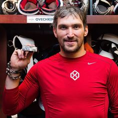 Alex Ovechkin Poses With Milestone 500 Goal Puck (Photos)