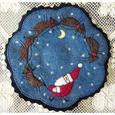 Christmas-Penny-Rug-Candle-Mat-with-Appliqued-Folk-Art-Santa-and-Reindeer-AL-074