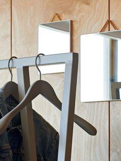 5 tapaa sisustaa peileillä | Design Stories Wishbone Chair, Decoration, Magazine Rack, Cabinet, Storage, Furniture, Home Decor, Tape, Mirror