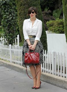 Divina Ejecutiva: Mis Looks - La falda midi tribal