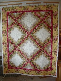 Colorwash Irish chain quilts I adore in one -perfect Quilting Projects, Quilting Designs, Watercolor Quilt, Irish Chain Quilt, Flower Quilts, Quilt Labels, Scrappy Quilts, Machine Quilting, Quilt Making