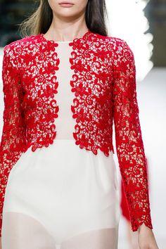 Giambattista Valli Spring 2013 Ready-to-Wear Fashion Show Red Fashion, Fashion Details, Couture Fashion, High Fashion, Fashion Show, Fashion Outfits, Fashion Design, Runway Fashion, Couture Details