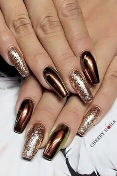 42 ideas for attractive metallic nail designs - 42 ideas for attractive metal . - 42 ideas for attractive metallic nail designs – 42 ideas for attractive metal … – 42 ideas fo - Light Colored Nails, Light Nails, Metallic Nails, Gold Nails, Gold Glitter, Gorgeous Nails, Pretty Nails, Uñas Color Cafe, Crome Nails