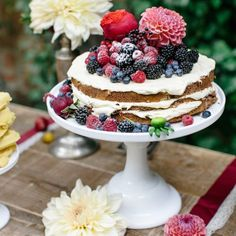 A berry and autumn wedding inspiration shoot with a table full of cakes you just have to see!
