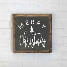 19 Simple Diy Outdoor Christmas Decor On A Budget Ideas 001 - Kitchen Inst Christmas Signs Wood, Holiday Signs, Rustic Christmas, Simple Christmas, Christmas Holidays, Christmas Crafts, Xmas, Merry Christmas Sign Diy, Christmas Chalkboard Art