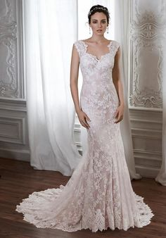 Floral lace gown with sweetheart neckline and illusion back I Style: Londyn I by Maggie Sottero I https://www.theknot.com/fashion/londyn-maggie-sottero-wedding-dress?utm_source=pinterest.com&utm_medium=social&utm_content=aug2016&utm_campaign=beauty-fashion&utm_simplereach=?sr_share=pinterest